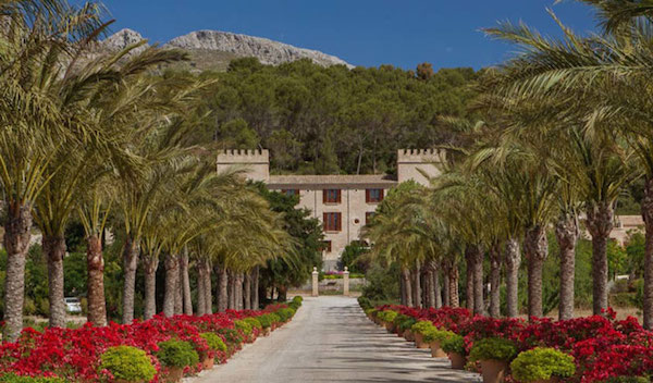 The entrance to Castell Son Claret in Mallorca