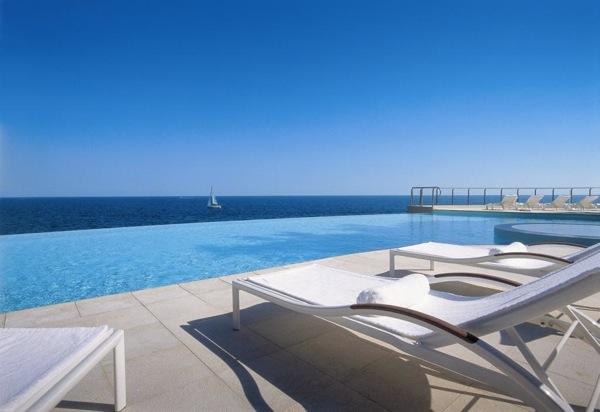 The pool at Cap Estel in Eze