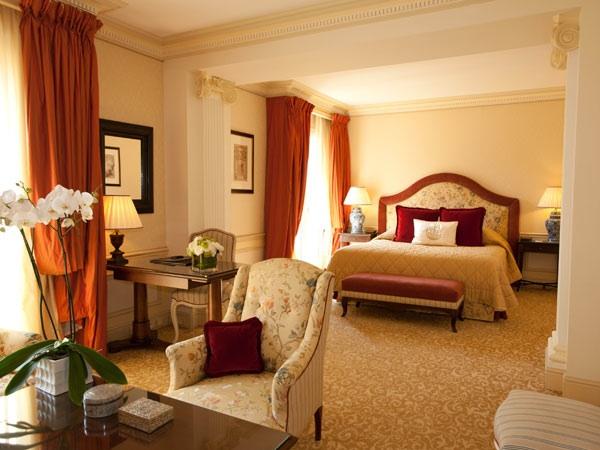 A junior suite at the Hotel Metropole Monaco
