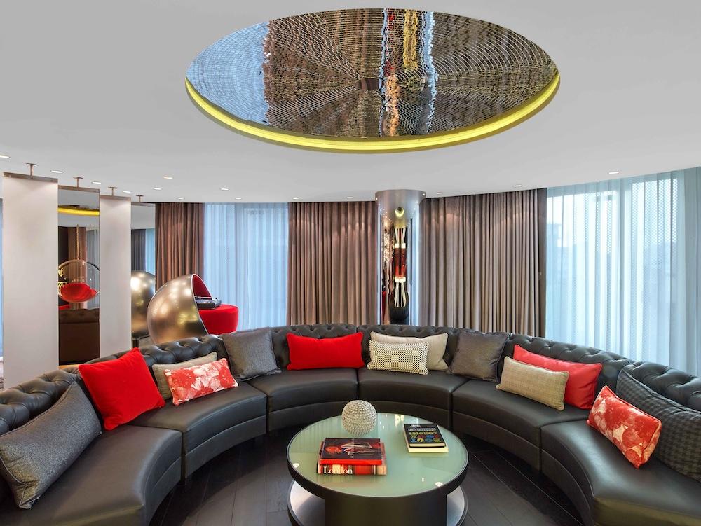 W London E WOW Suite