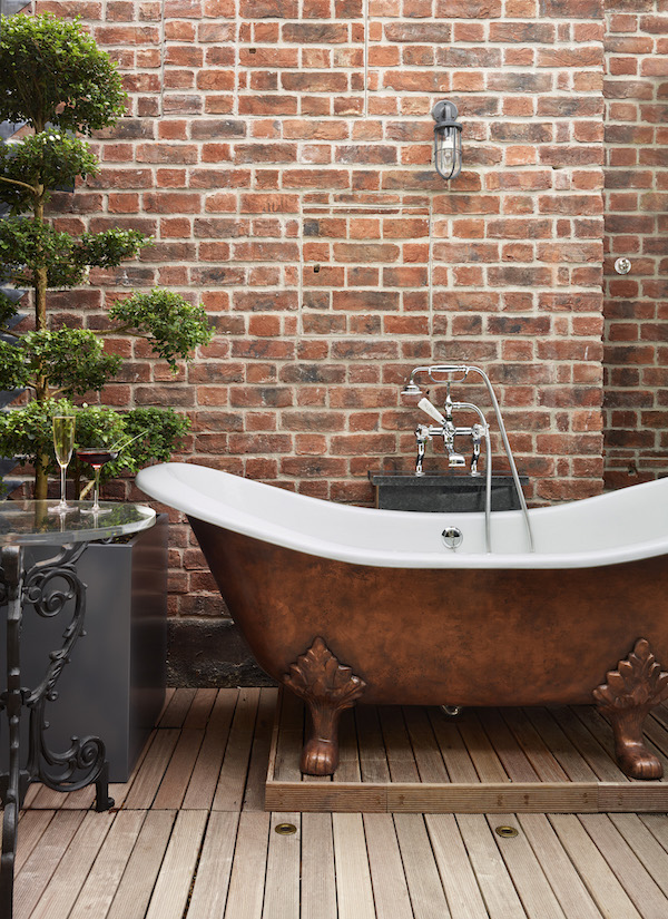 Outdoor bath at Zetter Townhouse Marylebone